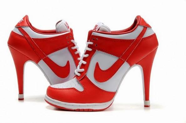 scarpe nike con tacchi